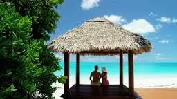 256-x-144-hut-on-beach-with-couple