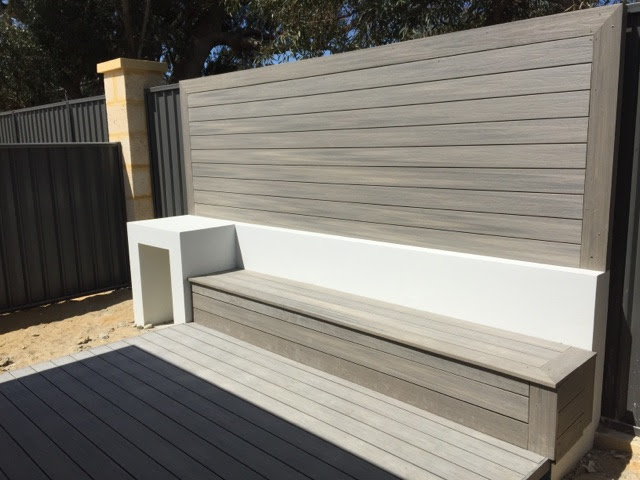 Plastic deck with screen
