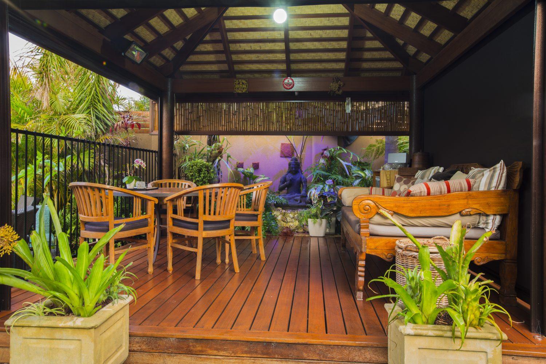 Bali Hut Merbau deck